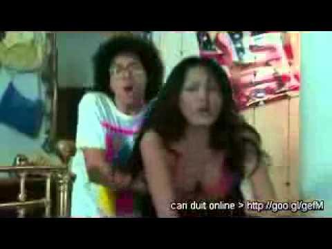 Video Andi Soraya di Film Hantu Puncak Datang Bulan       Adesepele Blog™