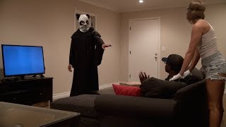 SCARY PIZZA DELIVERY PRANK!(Thank you for watching! If you enjoyed, please Subscribe by clicking here http://bit.ly/1jJ9uw1 Watch BEST of FOUSEY! - http://bit.ly/bestoffousey Vlog Channel: ..., 2014-04-13T18:44:46.000Z)
