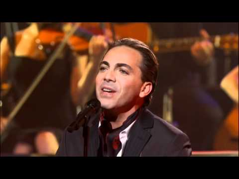 Yanni -  Ni La Fuerza Del Destino (Vocal performance by Cristian Castro) Live 2009 HD