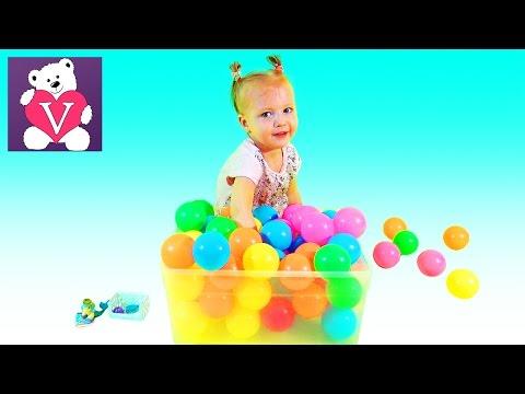 Вероника ищет сюрпризы в шариках  Открываем сюрпризы Шопкинс Филли Лего Сафирас