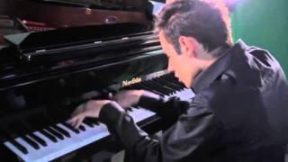 Download Великолепный кавер «Bad» Майкла Джексона на фортепиано Mp3 and Videos