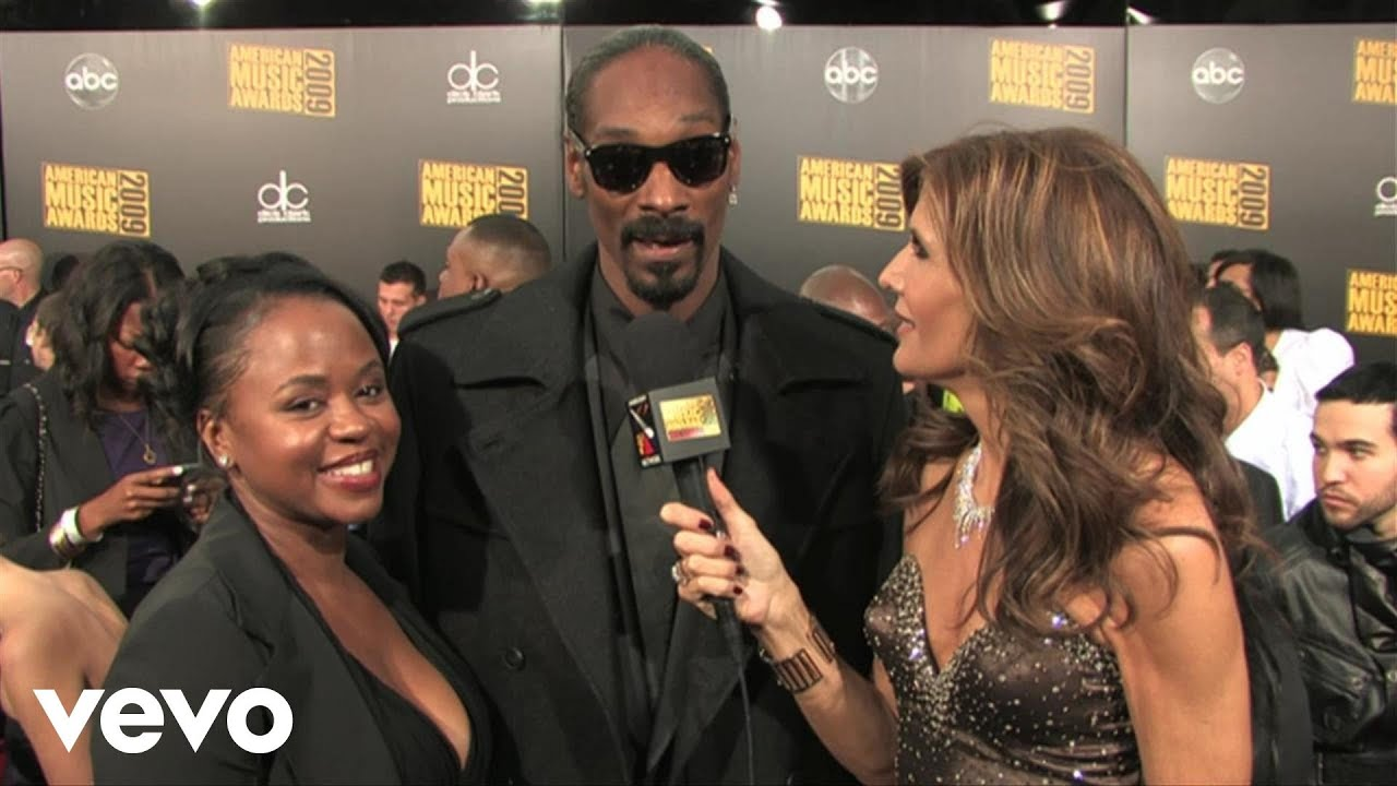 Snoop Dogg - 2009 Red Carpet Interview American Music -8198