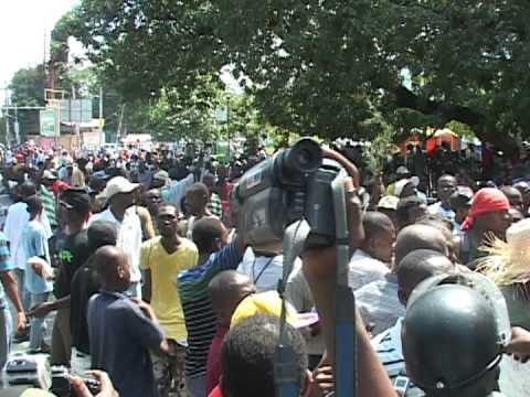 Manifestations anti gouvernementales port au prince et au cap ha tien youtube - Manifestation a port au prince aujourd hui ...