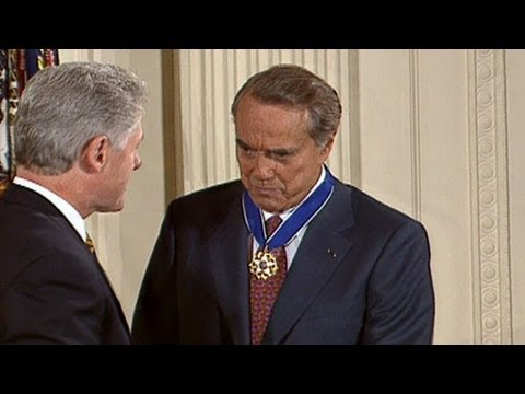 President Clinton Awards Senator Bob Dole the Presidential Medal of Freedom