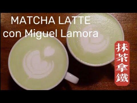 Preparación de Matcha Latte en Atmans Coffee con Miguel Lamora