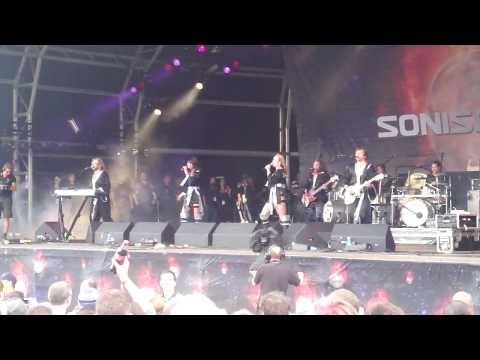 Bjorn Again - Mamma  Mia Live at Sonisphere, Knebworth HD