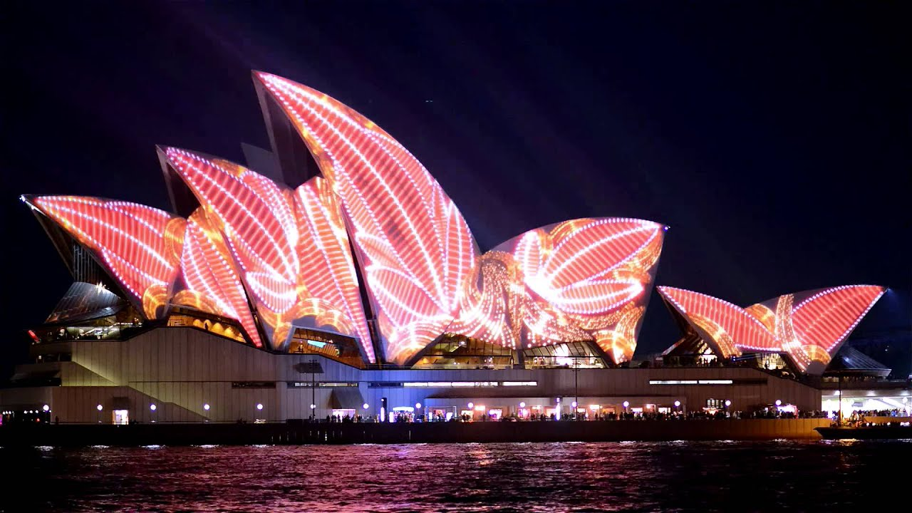 Opera house projection mapping