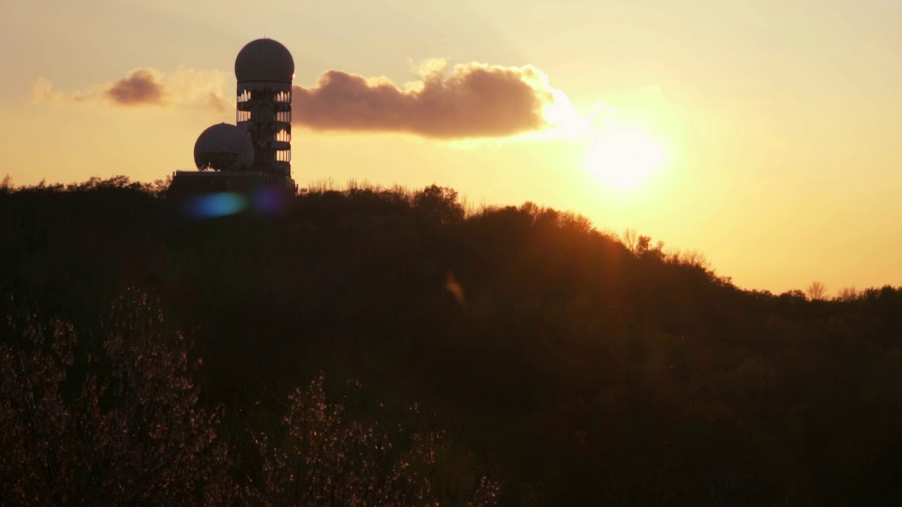 TEUFELSBERG BERLIN SUNSET: perfect 21:9 4K ULTRAWIDE VIDEO screensaver: SUNSET OVER DEVIL'S MOUNTAIN