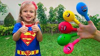 Canción de Color de la familia del dedo y otras canciones infantiles de Alex y Nastya