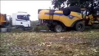Wtopa 2016- Wyciąganie kombajnem Tira   New Holland CX6080 & Scania  