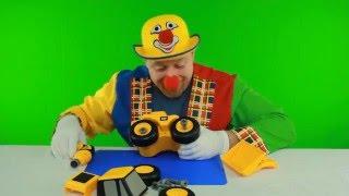 Clown Alex costruisce trattore escavatore , Giocattoli e giochi per bambini maschi