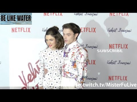 How cute are Natalia Dyer and Charlie Heaton?