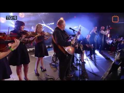 The Kilfenora Céilí Band with Don Stiffe - Galway Bay