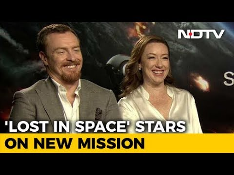 Stars Of Lost In Space Molly Parker & Toby Stephens On Their New Mission
