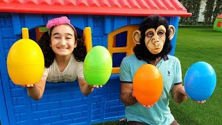 Gamze's and Monkey surprise easter egg, Kids Toys Show