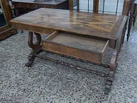 Early 19th century German walnut marquetry inlaid table