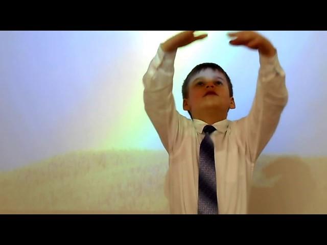 Изображение предпросмотра прочтения – РоманПшеничный читает произведение «Радуга (Как неожиданно иярко…)» Ф.И.Тютчева
