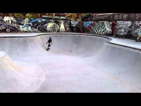 Carving boy @ globe skate park