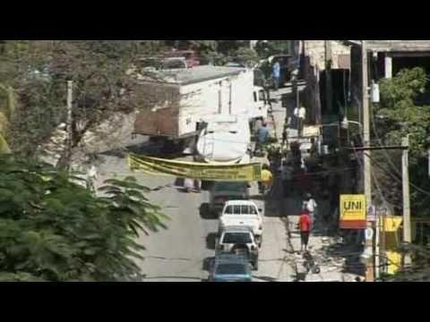 Solar traffic lights shine on Haiti Video Reuters