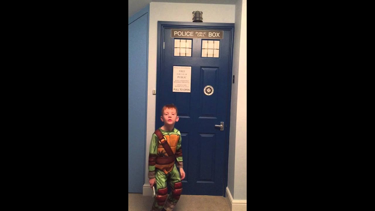 Dr Who Tardis Bedroom Door Youtube