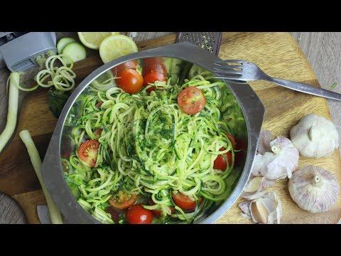 Zucchini-Spaghetti aglio olio e pomodoro I Zoodles I Pasta-Alternative I Low Carb (vegan)|