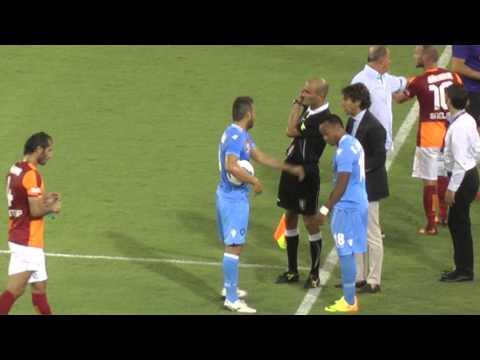Napoli-Genoa 6-1, gol di Zuniga