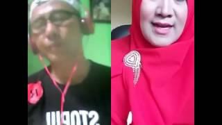 """Uing jeung penyanyi pop Sunda nu moronyoy.."""
