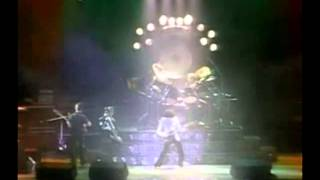 Queen  Live Killers  01 We Will Rock You (fast)