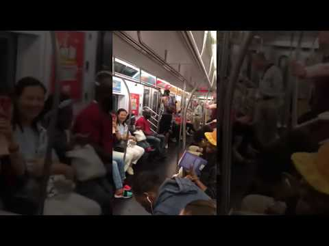 Morgen - Entire Subway Car Breaks Out in I Want It That Way