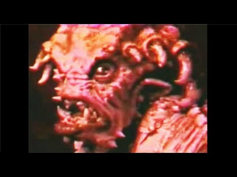 SHOCKING!!! Giant Reptilians Underground! Giant Flesh Rippin