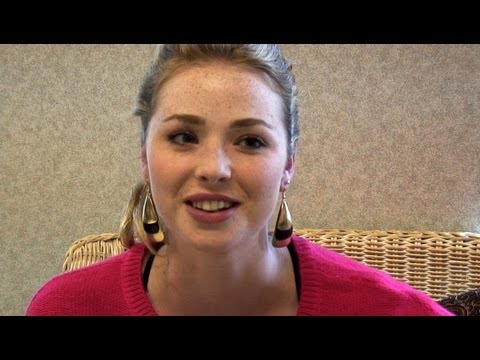 Freya Mavor on new Skins 'Everyone likes a bit of girlongirl!'