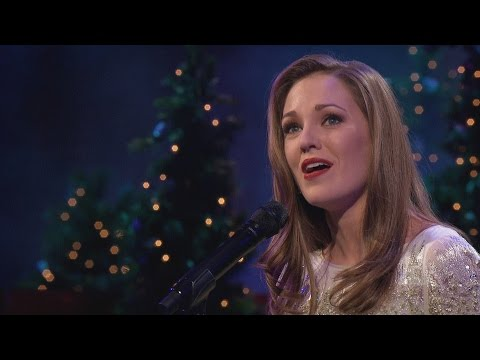 Oh, Come, All Ye Faithful - Laura Osnes and the Mormon Tabernacle Choir