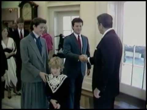 Swearing in of James Baker as new Secretary of Treasury with family on February 8, 1985