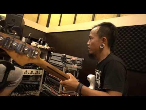 "Erix Soekamti: Behind The Scene REKAMAN ""Rayuan Pulau Kelapa"" (#DOES eps #74)"