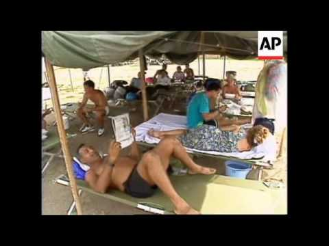 CUBA: GUANTANAMO BAY: CUBAN REFUGEES TO LEAVE FOR USA