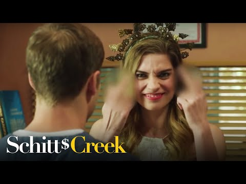 Schitts-Creek-Season-2-Bloopers
