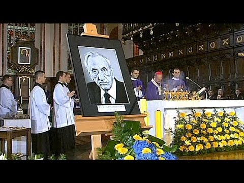 Poland: funeral held for former PM Mazowiecki