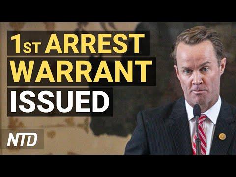 First Arrest Warrant for Texas Dem Lawmaker; DOJ Declares COVID-19 Vaccine Mandates Legal | NTD