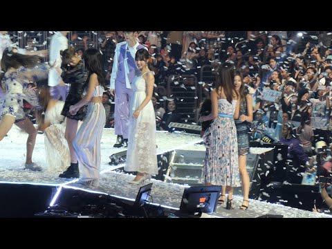 180811 Fancam Kcon LA 2018 Day1 Ending Focus Twice/momoland