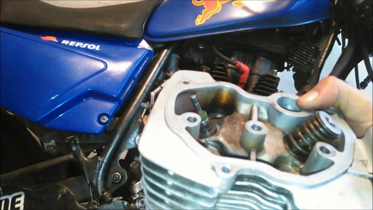 Porque mi motoneta tira aceite por el respiradero del motor