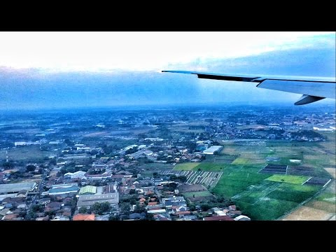 Air France Boeing 777-300ER Full Approach and Landing in Jakarta, Indonesia