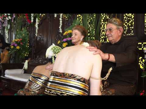 Javanese Traditional Wedding - Indonesian Wedding Video