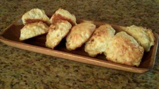 Garlic Cheese Biscuits - Lynn's Recipes