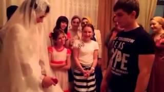 Крутой подарок невесте)