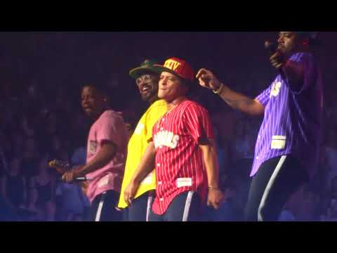 Bruno Mars-24K Magic Bell Center Montreal 29/08/2017
