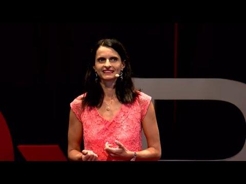 Le bonheur au travail : une révolution | Létitia FRAYSSE | TEDxRéunion