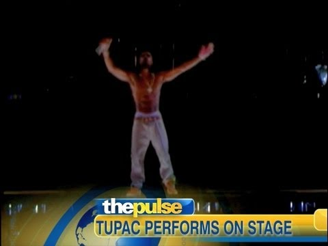 Tupac Alive at Coachella, Performs with Snoop Dogg