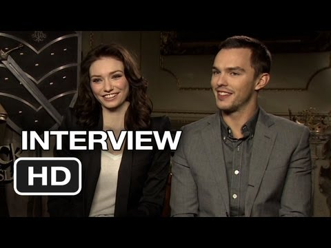 Jack the Giant Slayer Interview - Nicholas Hoult and Leanor Tomlinson (2013) - Adventure Movie HD