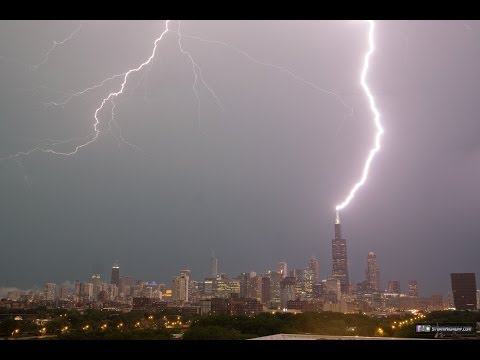 Lightning repeatedly strikes the Sears (Willis) Tower in Chicago - June 30, 2014