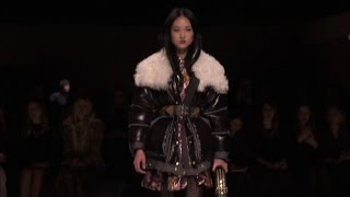 London Fashion Week, Burberry: lo stile militare diventa un lusso